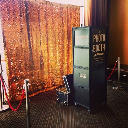 gold-sequin-photo-booth