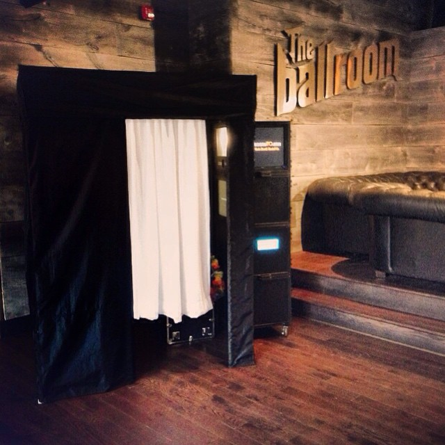 the-ballroom-toronto-private-photo-booth